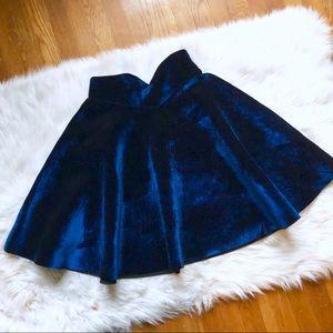🎃 NWOT ModCloth Velvet Neoprene Circle Skirt L
